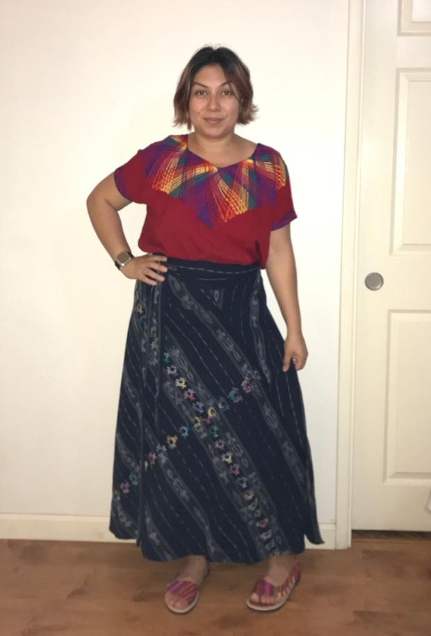 Mama Bear Kim in traje tipico